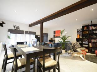 Double V Immobilière vous propose au coeur du centre ville un charmant duplex composé comme suit: hall d'entrée, séjour, c