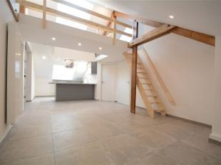 Arlon, bel appartement de 75 m² composé comme suit: séjour, cuisine super équipée, salle de bain, chambre avec dressi