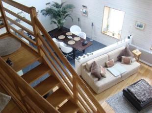 Dans le charmant village de Chantemelle, Double  V Immobilière vous propose une agréable maison composée comme suit : hall d'entr
