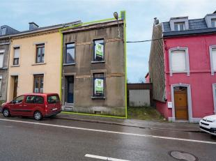 SOUS COMPROMIS .Double V Immobilière vous propose à Arlon une bonne maison d'habitation deux façades à proximité du