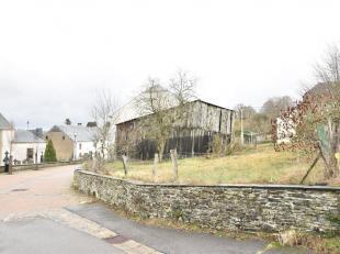 Double V Immobilière vous propose à Anlier, un beau terrain à bâtir d'angle de 4A37 avec belle largeur en façade.Ter