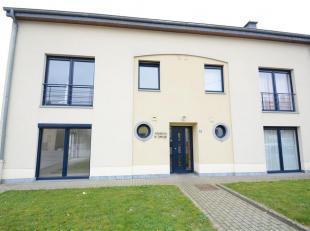 Bel appartement lumineux de 82 m² composé comme suit: hall dentrée, séjour, cuisine équipée, buanderie, 2 cham