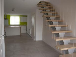 Aix sur Cloie, agréable appartement de 65 m² composé comme suit: hall d'entrée, séjour, cuisine équipée