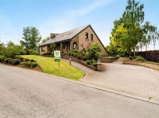 Double V immobilière vous propose à Weyler, une grande villa avec garage et jardin de 12 ares 38 centiares. Ce bien est composé c