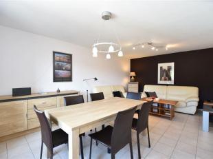 Double V Immobilière vous propose en vente un  bel appartement rénové situé au 1er étage d'une résidence com