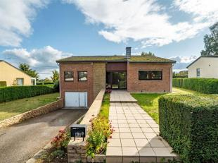 Double V Immobilière vous propose à Arlon au sein d'un quartier prisé , une villa plein pied bâtie en 1969 sur un terrain d