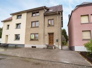 Double V Immobiilière vous propose en vente à Stockem - Arlon une spacieuse maison 3 façades, composée comme suit: niveau-