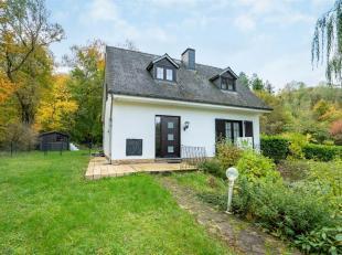 Double V Immobilière vous propose dans le joli village de Metzert, une jolie maison 4 façades en ossature bois. Ce bien se compose comme