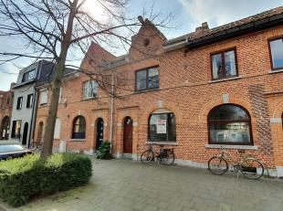 Uniek gelegen, instapklare woning binnen de ring van Leuven. De eigendom is rustig gelegen langsheen een enkelrichtingstraat en bevindt zich op wandel