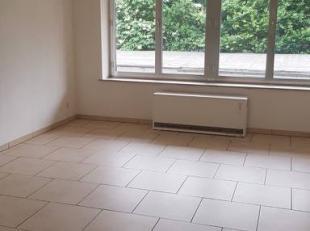 NOUVELLE OPPORTUNITE! Jambes - Rue Van Opré, appartement tout confort situé au rez-de-chaussée, comprenant hall, séjour, s