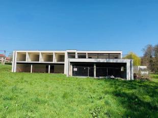 MALONNE (Namur)Impressionnante villa à vendre, ultra contemporaine, moderne et lumineuse.Cette demeure vous ravira par son potentiel non n&eacu