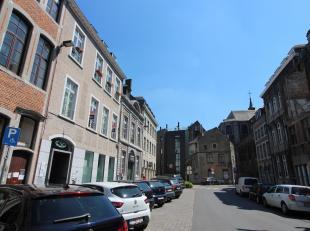 Nam Property vous propose un rez à vendre dans le centre de Namur. Au rez-de-chaussée d'un immeuble récemment rénov&eacute