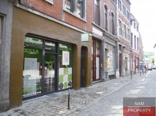 Namur centre, rue des Brasseurs, à quelques pas de la Place d'Armes et de la Rue de l'Ange, commerce de +- 30m² avec possibilité gr