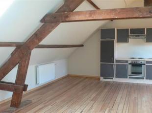 Nam Property vous propose un studio dans un petit Immeuble sans ascenseur. Situation idéale, à 100 m de l'hôpital St Elisabeth et