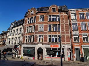 OPTION OPTION OPTION- Property vous propose un bloc de 6 appartements très lumineux, expo S/O. A rénover/à rafraîchir. Mise