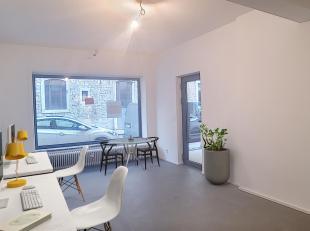 Nam Property vous propose deux rez commerciaux à vendre dans le centre de Namur. Au rez-de-chaussée d'un immeuble récemment r&eac