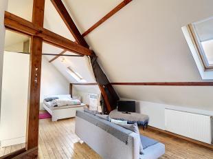Nam Property vous propose un flat de dans un petit Immeuble sans ascenseur. Très peu de charges de copropriété (assurance immeubl