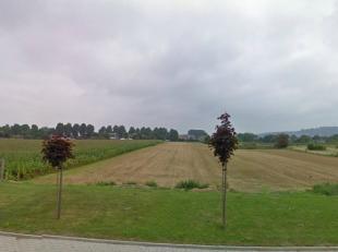In Geraardsbergen worden naast de 3 loten voor open bebouwing (zie: http://www.novus-projects.be/bouwgrond_detail.asp?bouwgrond=146) nog 93 percelen v