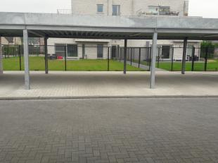 Staanplaats met carport te koop, gelegen aan Residentie Prosper te Verrebroek.<br /> <br /> Meer info op 03/320 97 20 of 0470/66 05 68.