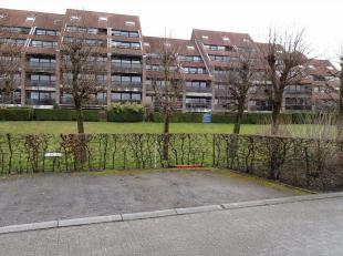 BRUGGE- OM UW COMFORT TE OPTIMALISEREN : 2 OPEN BUITENSTAANPLAATSEN (nummer 9 en 10). Opvallende centrale kwaliteitsligging in een residentiële w