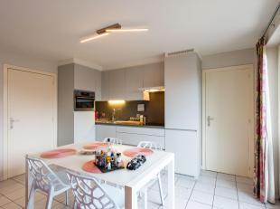 ASSEBROEK - PRAKTISCH ingedeeld appartement (1e verdieping) met ZEER RUIM TERRAS. KORTING 5600 EUR (RR) MOGELIJK. Opvallende centrale ligging nabij st