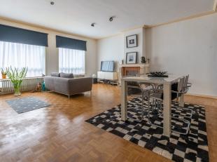 BRUGGE - VERNIEUWD APPARTEMENT (1e verdieping, 2 slaapkamers) met TERRAS, PRAKTISCH GELEGEN in de historische stadskern. KORTING 5600 EUR (RR) MOGELIJ