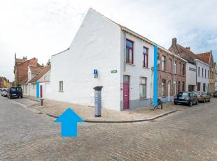 BRUGGE - UW ZONNIGE THUIS in de BINNENSTAD : INSTAPKLARE 3-slaapkamerwoning met GROOT TERRAS en FIETSENPOORTJE. WOONPOWER op de hoek met o.a. een inko