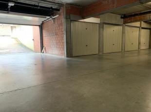 ASSEBROEK - Deze ondergrondse gesloten garagebox is CENTRAAL gelegen te ASSEBROEK, op een boogscheut van het station en het stadscentrum. Een garage d