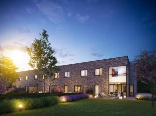 Deze prachtige BEN-woning ligt op het begin van een rijtje van 5 woningen. Het is een halfopen bebouwing met een prachtige tuin. De 5 huizen zijn voor