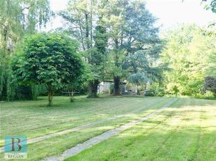 UNIEK GELEGEN CHARMANT CHALETJE/BUITENVERBLIJF met tuinhuis, vijver, lange oprit en prachtige tuin. Kan enkel dienen als VAKANTIEWONING (geen domicili