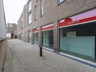 Uitstekend gelegenhandelspand op een boogscheut van de grote markt te Diksmuide en gelegen in een commerciële zijsprongvan de Generaal BaronJacqu