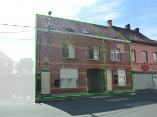 Opbrengsteigendom vlakbij centrum Roeselare!<br /> Deze op te frissen opbrengsteigendom bestaat uit 5 studio's, een woonhuis en een garagecomplex (11