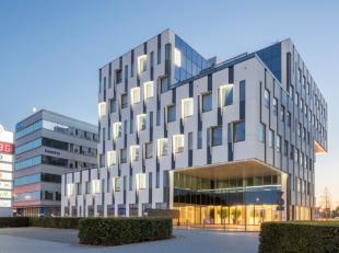 Aan afrit Roeselare-Rumbeke van de E403 is het Accent Business Park gelegen. Op deze centrale ligging kan u uw kantoor vestigen vlakbij het nieuwe AZ