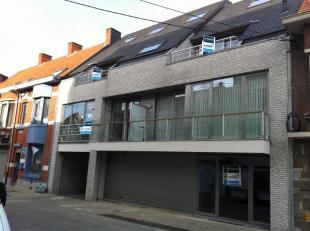 Dit prachtig appartement is gelegen op het gelijkvloers van Residentie Constantinopel. Vlakbij centrum Roeselare en het mammoet center is dit d&eacute