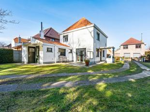 Unieke villa in hartje Koksijde met 4 slaapkamers en ruim zuidgeoriënteerde tuin<br /> Deze residentieel, alstoch rustig gelegen losstaande villa