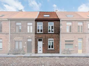 Deze woning werd in 2018 volledig, met zorg, oog voor detail en kwalitatieve materialen gerenoveerd en is instapklaar. Zo voldoet deze woning aan alle