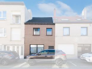 Deze charmante woning is ideaal voor mensen die ruimte en zon hoog in het vaandel dragen. De woning bevat een zuidgerichte tuin en een grote berging a