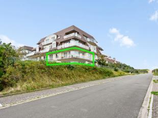 Op TOPLOCATIE, namelijk rechts van de Zeedijk in Oostduinkerke resideert dit luxueuze appartement voorzien van mooieterrassen. Door de combinatie van