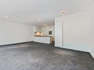 """Dit lichtrijk appartement van 103m² met twee slaapkamers en twee badkamers is gelegen in nieuwbouwresidentie """"Leopold II"""" te Stubbekwartier, Brug"""