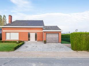 In het landelijke dorp Houthulst, op het centrale punt tussen Roeselare-Ieper-Diksmuide, huisvest deze alleenstaande eigendom op 801 m².<br /> De