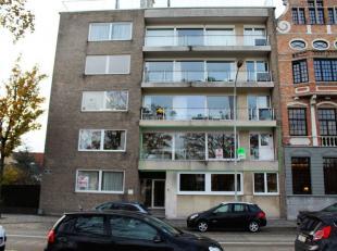 Het ideale appartement voor wie op zoek is naar ruimte op een gunstige ligging. Het appartement biedt een prachtig uitzicht op de Brugse Vesten.<br />