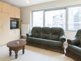 Dit instapklaar appartement situeert zich in een rustige straat vlakbij strand en zee. Gelegen in een zeer verzorgde en recente residentie op slechts