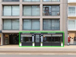 Deze zaak met kelderverdieping heeft een uiterst commerciële ligging pal in het centrum van Middelkerke. Gelegen in de winkelstraat 'Leopoldlaan'