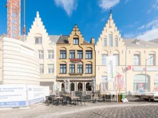 Met zijn locatie vlak op de Grote Markt in Poperinge én waarbij je telkens kan genieten van een zonnig terrasplaatsje bevindt zich dit goeddraa