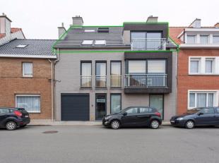 Dit prachtige nieuwbouw appartement ligt bij de dorpskern van Bredene. U bevindt zich hier in een zeer gezellige en rustige woonomgeving waar het aang