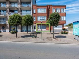 Instapklaar 2 slaapkamer appartement met terras gelegen vlakbij de Zeedijk van De Panne. Ideaal voor wie graag buiten vertoeft en wil genieten van all