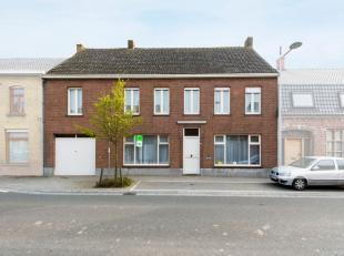 In Proven (deelgemeente van Poperinge) bevindt zich deze op te frissen woning. Deze gezinswoning is gelegen op wandelafstand van buurtwinkels, bakkeri