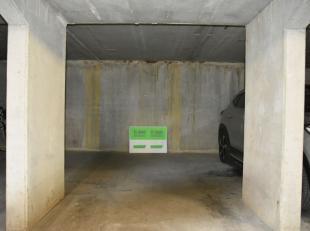 Deze ondergrondse autostaanplaats is gelegen op wandelafstand van winkels, centrum en centraal station.Leg meteen uw afspraak vast !
