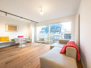 Op topligging, namelijk tweehonderd meter van het strand van Koksijde vinden we dit modern afgewerkt appartement terug. Het betreft een compleet geren