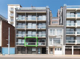 Op de eerste verdieping van een verzorgde residentie op de Leopoldlaan in Middelkerke, is deze studio gelegen. Door de gunstige ligging, bevindt u zic